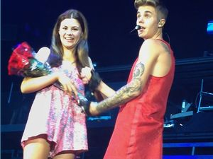 Ipswich girl joins Bieber on stage