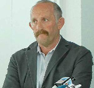 Dr Gareth Morgan.