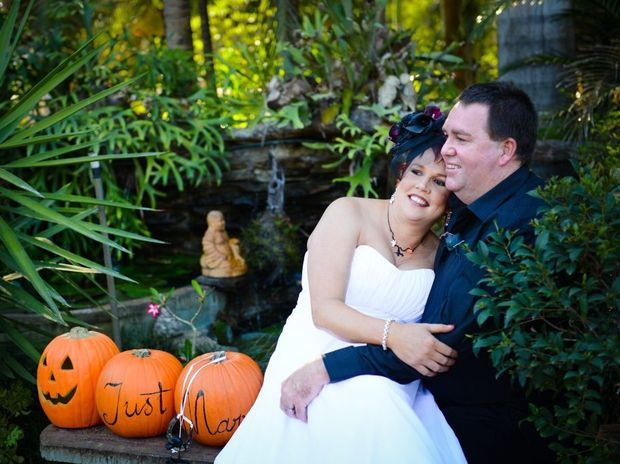Graham Cowley and Sonia Pattenden were married on November 2, 2013.