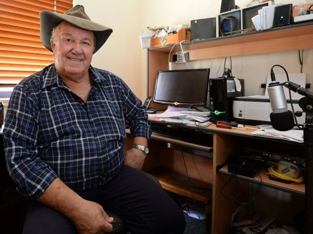Keith Jamieson is annoyed that internet users in Bouldercombe have had intermittent service for that past couple of weeks which Telstra has been unable to resolve. Photo: Chris Ison / The Morning Bulletin