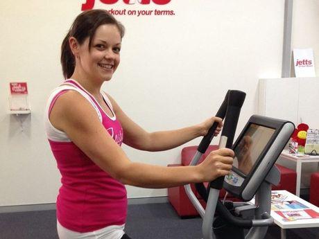 Tara Easterman reaches her goal weight of 70kg.