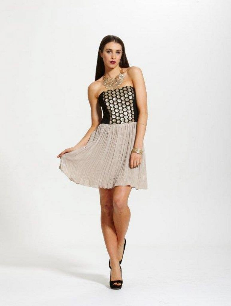 This Fate Night Shimmer dress is now $99.95 (RRP $169.95) at Akiiki Klothing.