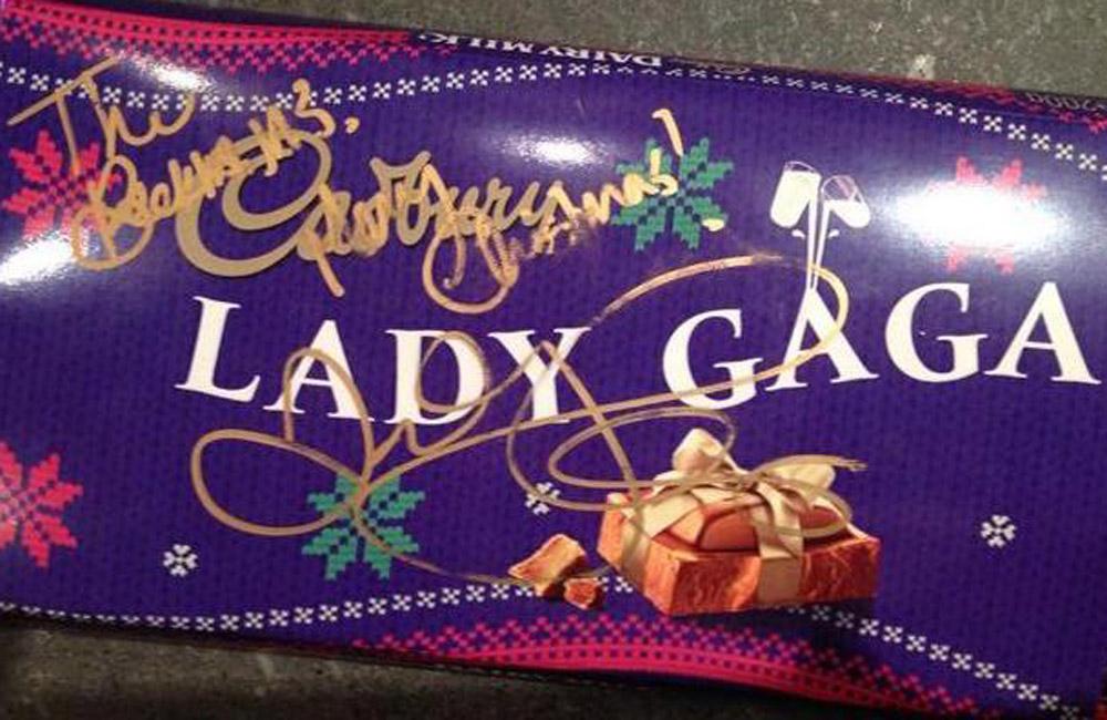 Victoria Beckham's Gaga autograph.
