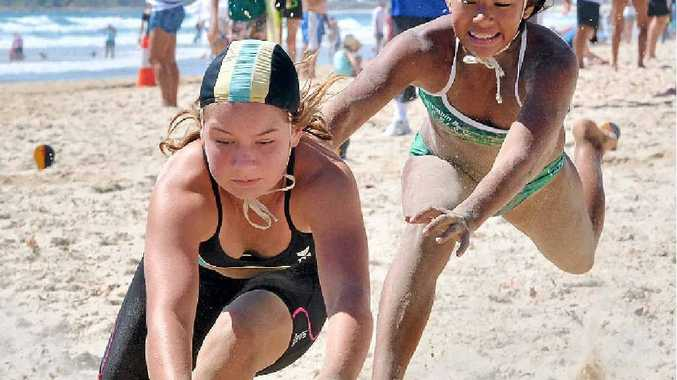 HEATS: Lauren Stevenson beats Veronica McNevin to the flag.