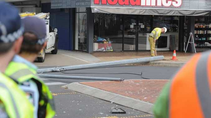 Light pole crashes to the ground at the cnr of Bideford St and the Esplanade.