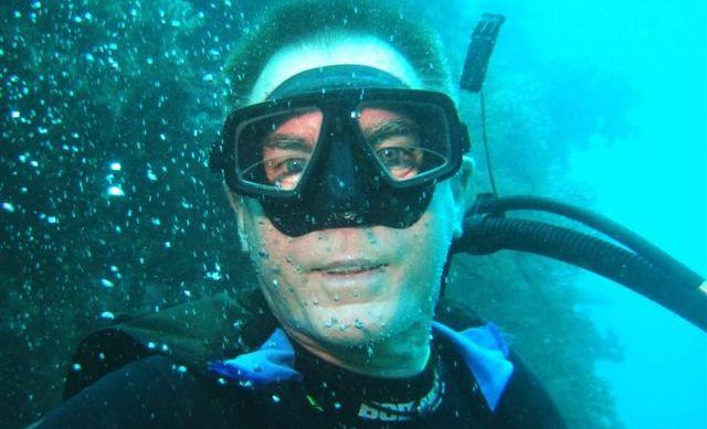 Underwater explorer, Tony Isaacson