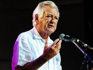 Bob Hawke calls for the abolition of states