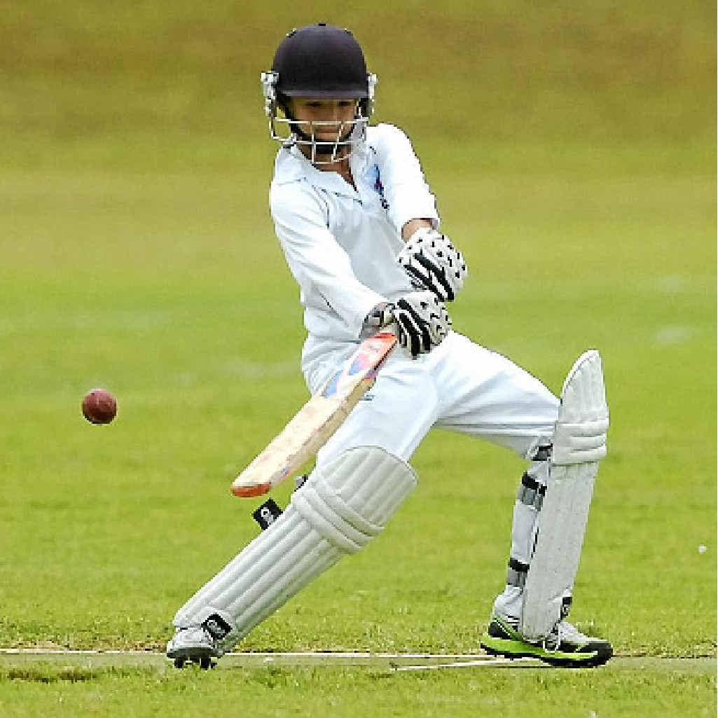 MORE RUNS: Illawarra's Brandon Silcox cuts while batting against Armidale.