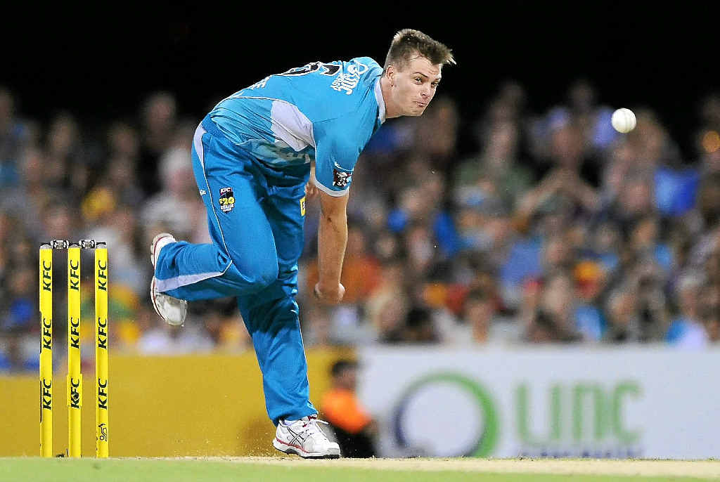 AT PACE: Local prodigy Mark Steketee bowls during the Big Bash League match between the Brisbane Heat and the Melbourne Stars at The Gabba on Saturday.