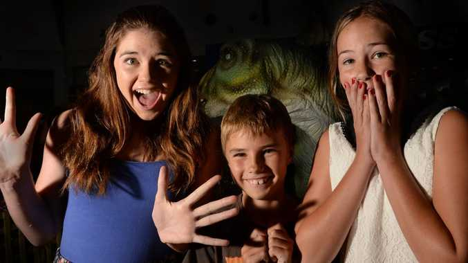 Chloe, Connor and Mia Hyde freak out over the Dinosaur exhibit at Tweed City.