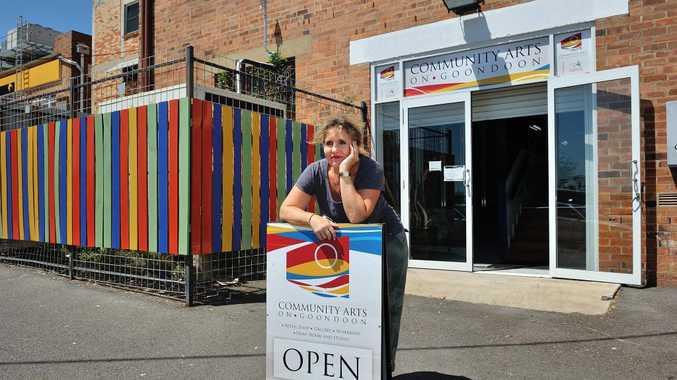 Committee member Christa Coetzee at Community Arts on Goondoon.