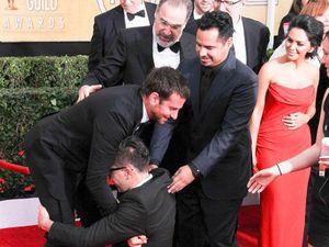 Bradley Cooper pranked by crotch hugger