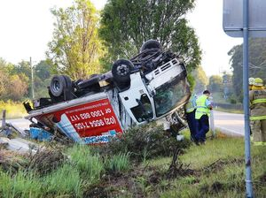 Truck overturned on Pacific Hwy