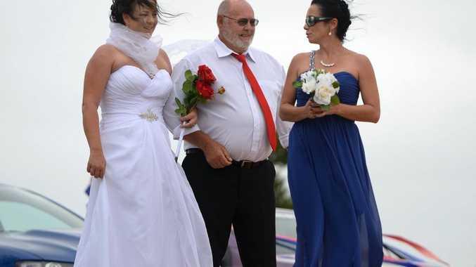 Australia Day wedding at Emu Park. Photo Allan Reinikka / The Morning Bulletin