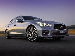 Infiniti Q50 road test: New sedan worthy of bouquets