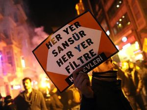 Internet censorship ends in pitched riots in Turkish streets