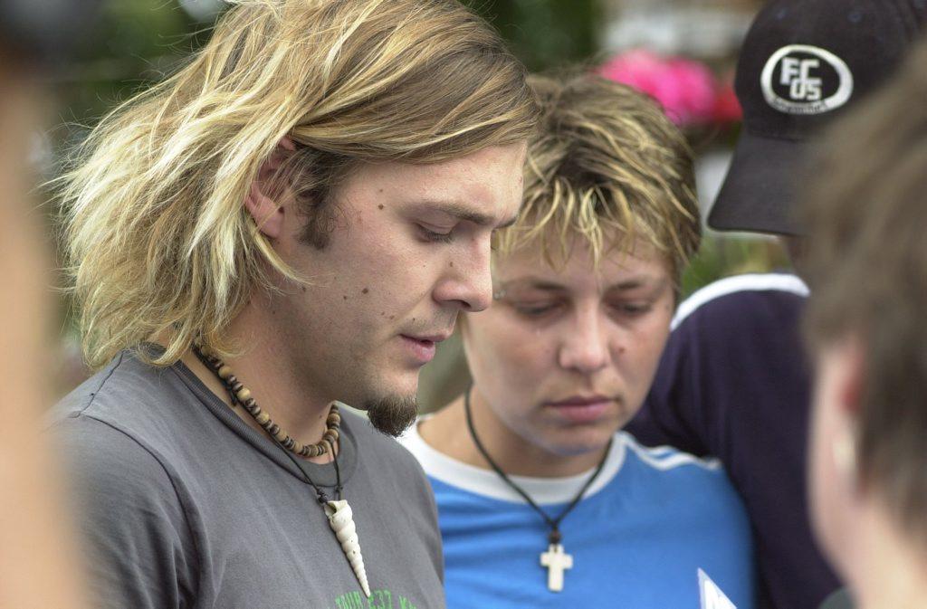 Simone Strobel Tobias Suckfuell and sister Katrin lay a wreath at the site where Simone Strobel's body was found in Lismore.