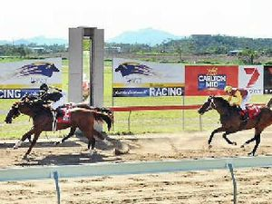 'Anything can happen': Thousands expected at Gladstone races