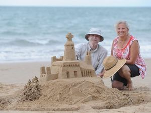 A step-by-step look at creating a sandcastle sculpture