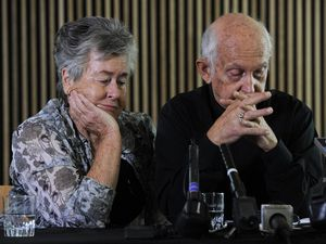 Parents of Peter Greste plea for mercy from Egypt