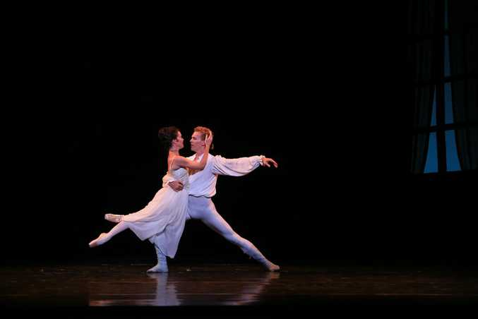 Lucinda Dunn, Manon, and Adam Bull, Des Grieux, in Manon, The Australian Ballet 2014. Photo: Contributed