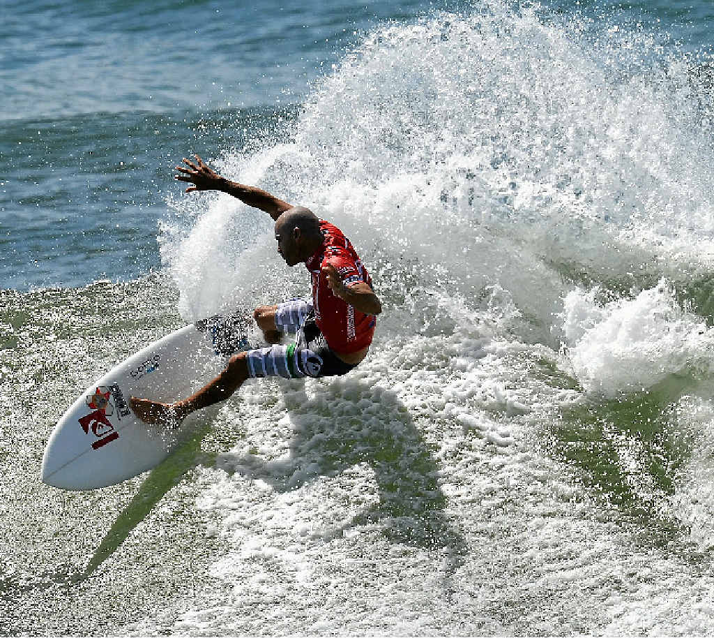 HE'S BACK: Kelly Slater, shredding Snapper last year, will defend his Quicksilver Pro title on the Gold Coast.