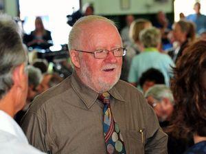 Noosa mayor blames debt on Sunshine Coast
