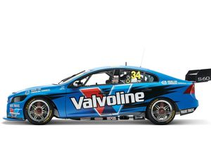 Polestar Volvo on the front row of Clipsal 500 second race