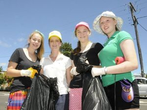 Glennie girls do their bit for Clean Up Australia Day