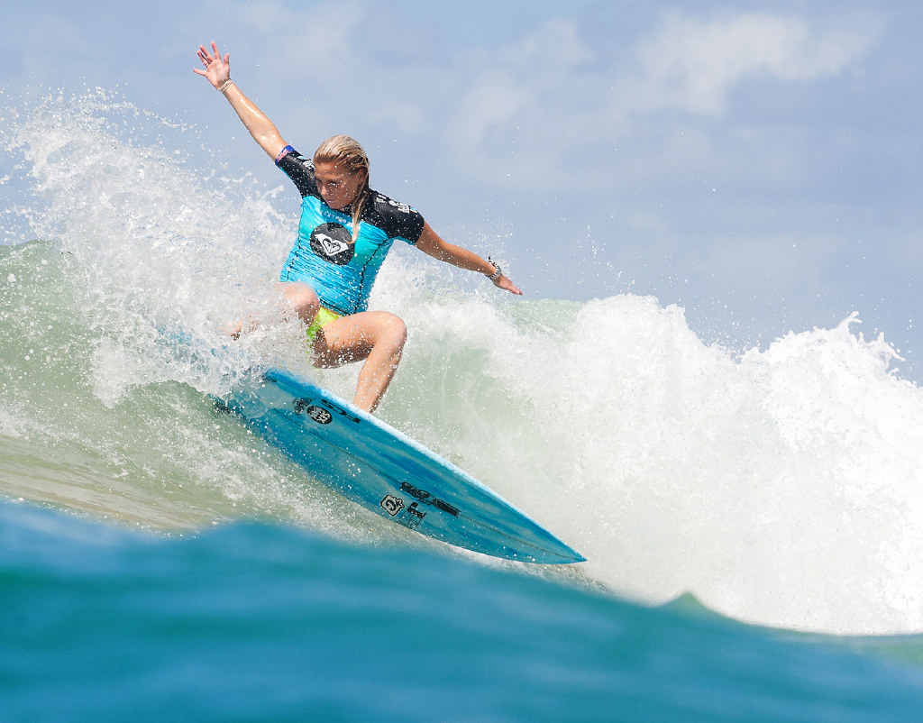 WAY TO GO: The Sunshine Coast's Dimity Stoyle heads for victory in her opening heat at the Roxy Pro Gold Coast at Snapper Rocks yesterday.