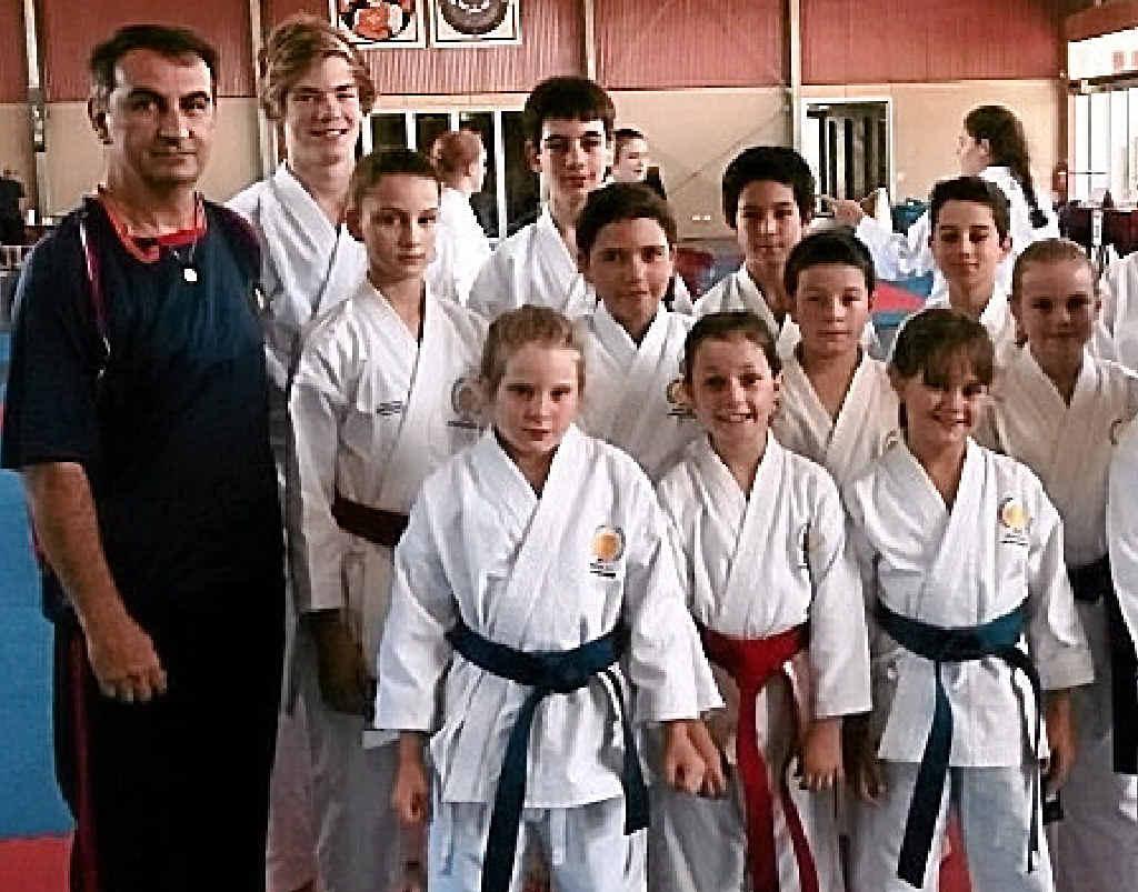 Hamid Mostofizadeh with JKS Australia members.