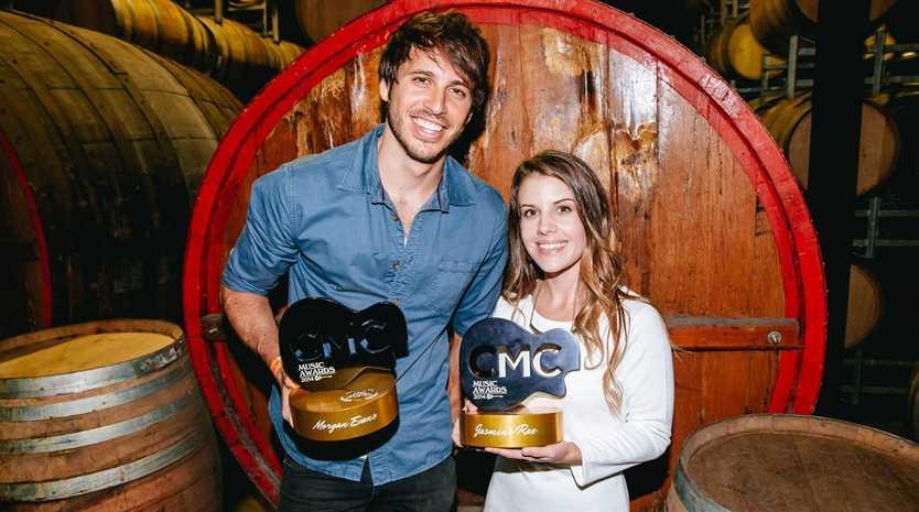 CMC Awards winnners Morgan Evans and Jasmine Rae.