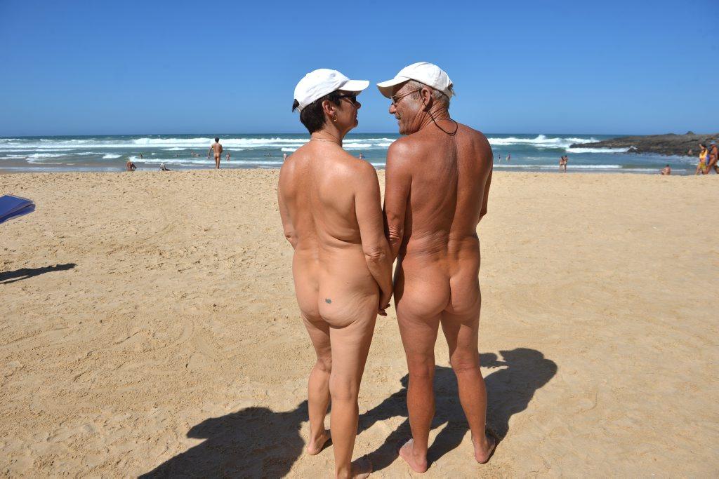 Rocky and Dei Ind enjoy the sights at Alexandra Beach.