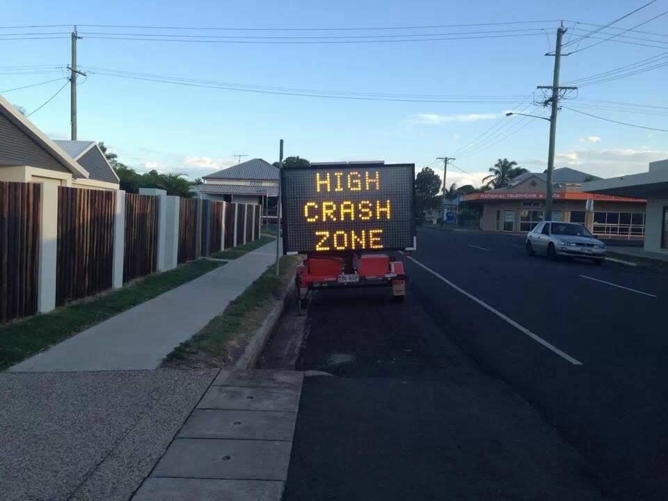 A reader photo of the crash warning sign on Targo St.