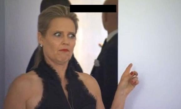 Judge Shaynna Blaze reacts to Brad and Dale's master bathtub.