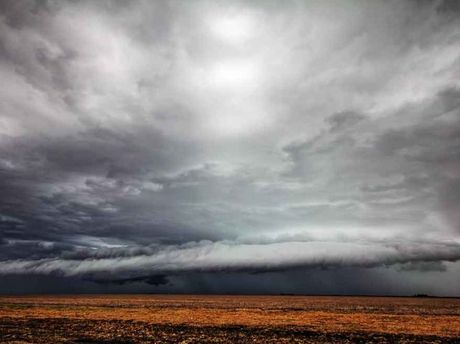 A storm cell that dumped more than 100mm on Brookstead last yesterday afternoon. It was taken by Matthew Black.