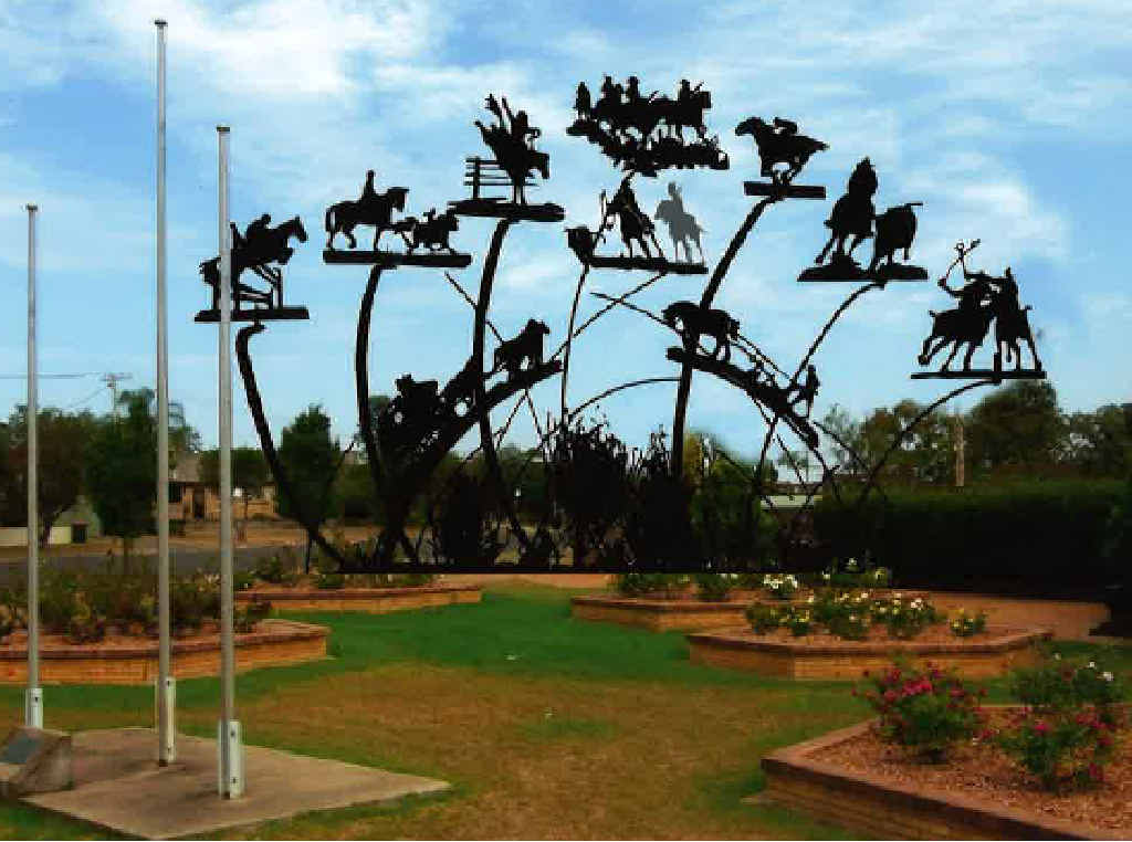 The proposed Warwick Equestrian Sculpture, pictured as an artist's impression, is set to go ahead again.