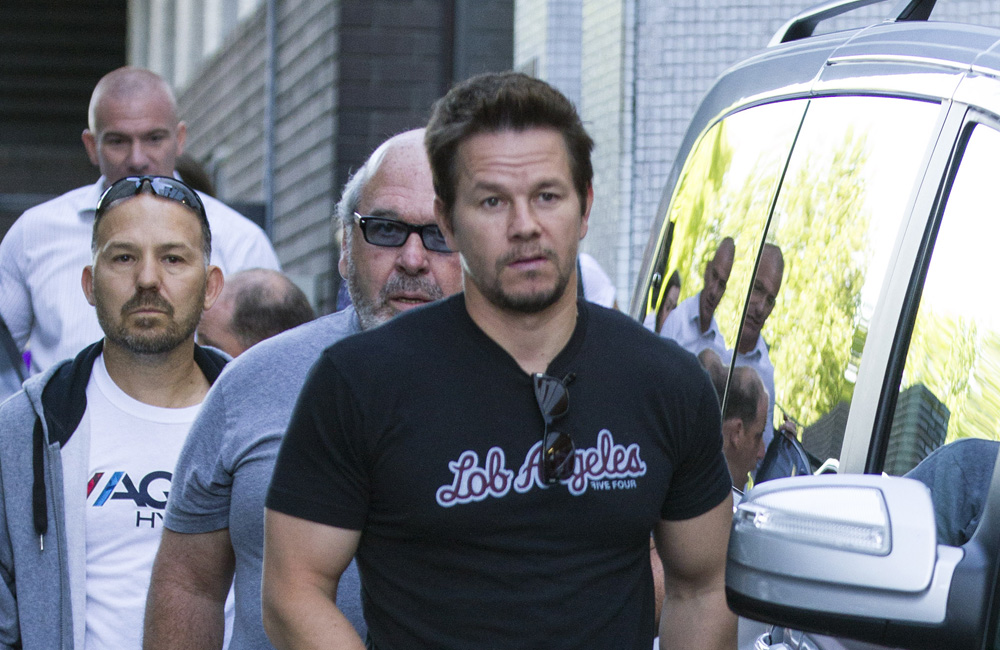 Mark Wahlberg has praised American football quarterback star, Tom Brady, for his acting abilities and admitted his eyes are