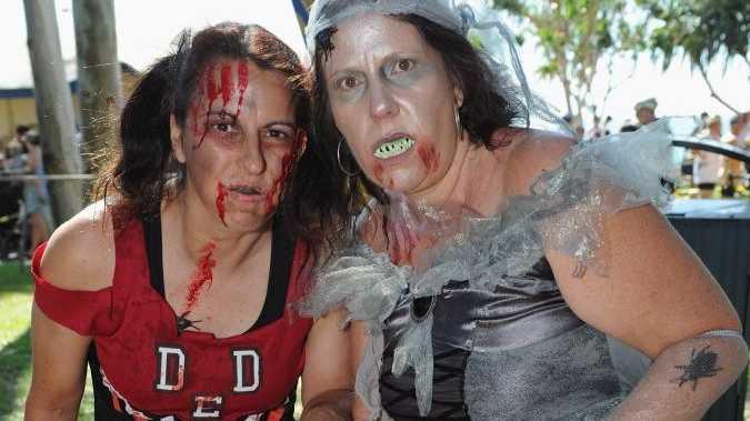 Col Pearce Corporate Triathlon - (L) Mandy Vicsai and Karen Palmer from Zombie Apocalypse. Photo: Alistair Brightman / Fraser Coast Chronicle