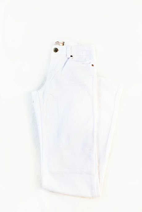 311 Stretch Straight White Jean ($69.95), available from Just Jeans in Stockland Gladstone. Photo contributed: Strong Images Photography for Stockland Gladstone