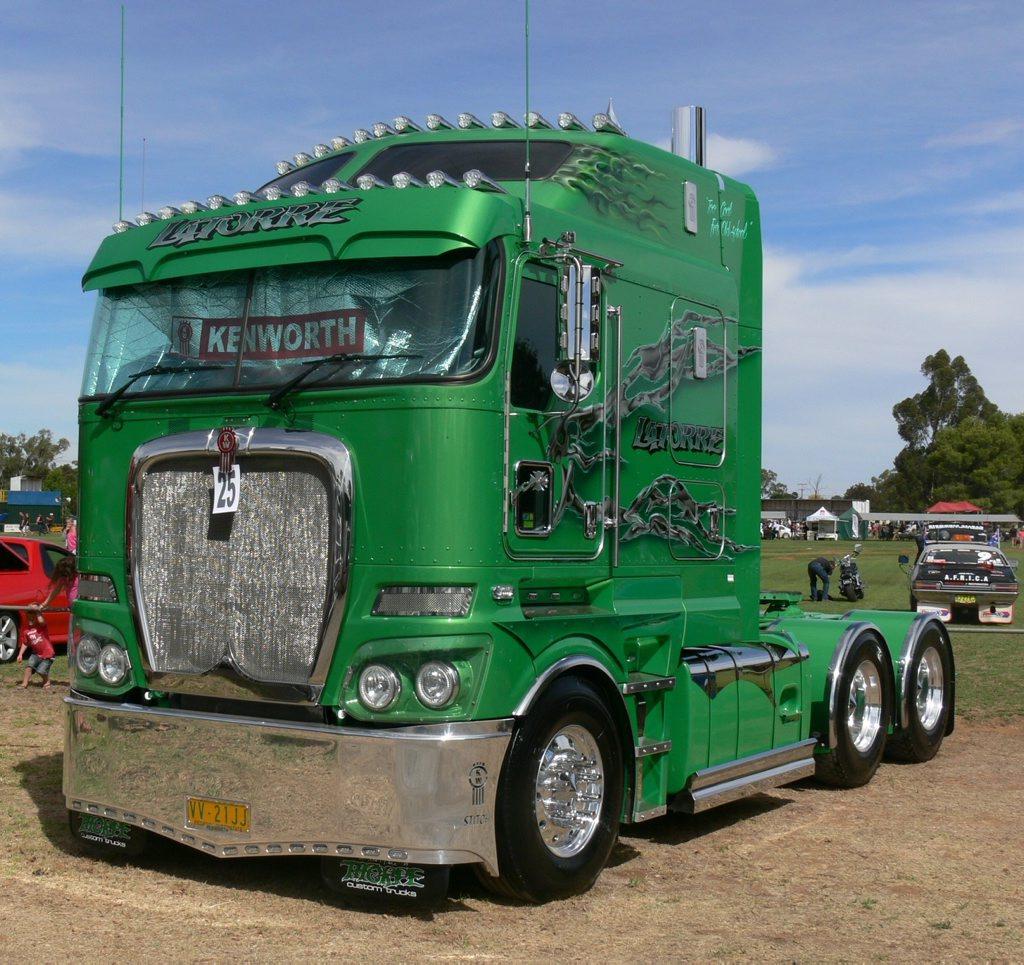 Latorre Kenworth K200