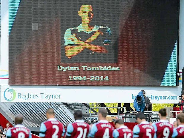 West Ham players observe a minute's applause for Dylan Tombides ahead of the London derby with Crystal Palace.