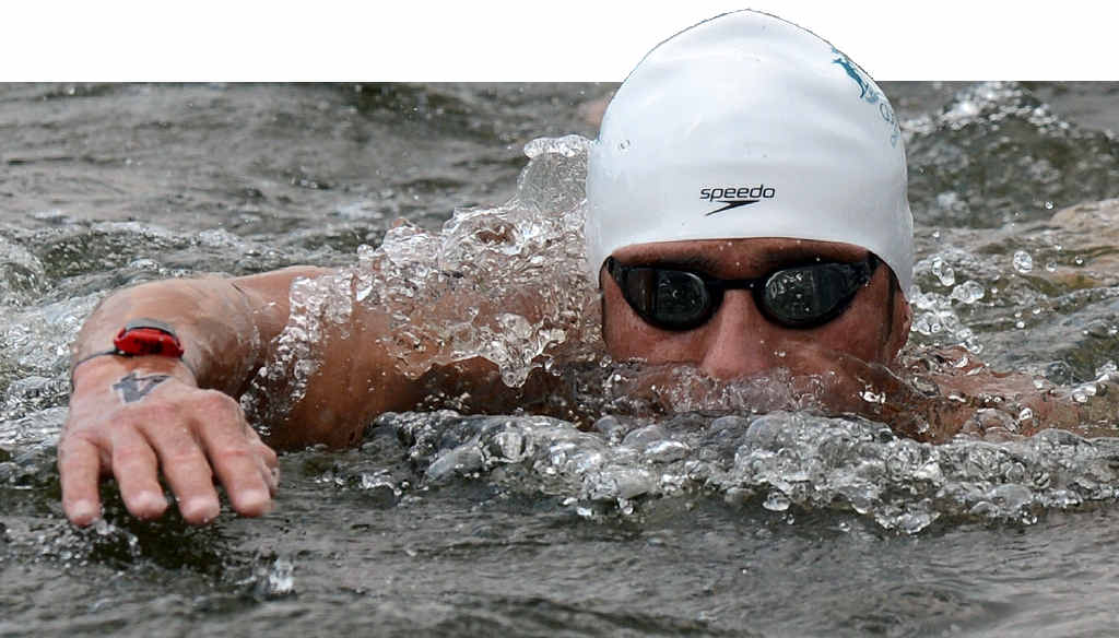 ACCUSTOMED TO THE BIG STAGE: Ky Hurst puts in the hard yards in the men's marathon swim at the 2012 London Olympic Games.