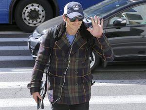 James Franco says Lindsay Lohan is delusional