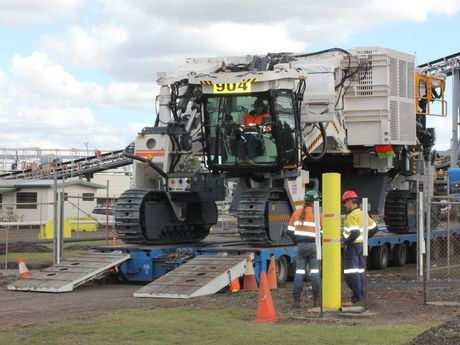 New Acland coal mine takes delivery German-built Wirtgen machine, which will be used to mine thin coal seams.