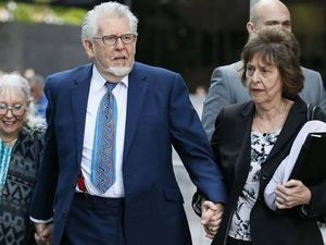 Rolf Harris forced to wait for verdict