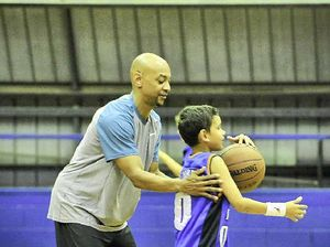 NBL legend coaches Gladstone kids before return to court