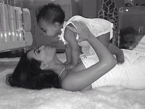 Kim Kardashian posts special mother's day picture