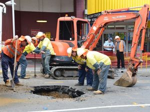 Holey-moly! Burst water main forces road closure in CBD