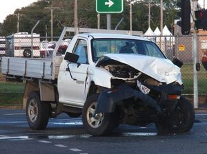Police called to car smash near Mackay Showgrounds